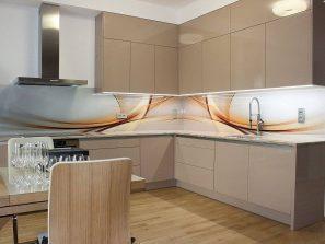 realizácia kuchynskej linky s grafickým sklom - grafozástena s abstraktným vzorom